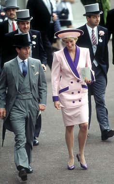 Royal Ascot The Prince and Princess of Wales attend the second day of the Royal Ascot race meeting, June The Princess is wearing a Catherine Walker suit. (Photo by Jayne Fincher/Princess Diana Archive/Getty Images) Princess Caroline Of Monaco, Princess Anne, Prince And Princess, Princess Of Wales, Princess Diana Memorial Fountain, Royal Ascot Races, Princess Diana Pictures, Catherine Walker, Charles And Diana