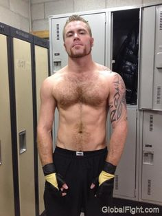 hot musclecub lockerroom