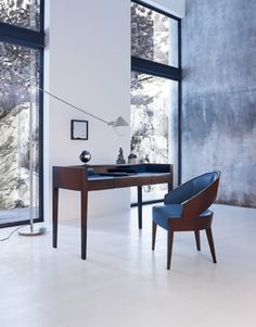 Desk WALDORF designed by Lorenzo Bellini with chair PEGGY designed by Peggy Norris #SELVA #furniture #Homeoffice #desk #chair