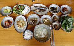 '육지 것'들은 모르는..제주 현지인 추천 맛집 5곳 Korean Food, No Cook Meals, Food And Drink, Pudding, Tasty, Fruit, Cooking, Desserts, Recipes