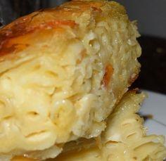 Pasta Pie juste parfait et simple ! Greek Cooking, Fun Cooking, Cooking Recipes, Pasta Recipes, Delicious Vegan Recipes, Yummy Food, Healthy Recipes, Greek Dishes, Food Humor