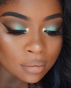 Makeup looks dark skin contours 69 Ideas Teal Eye Makeup, Eye Makeup Glitter, Dark Skin Makeup, Smokey Eye Makeup, Makeup For Brown Eyes, Eyeshadow Makeup, Makeup Brushes, Smoky Eye, Dark Skin Eyeshadow