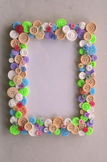 button frame … – crafts for bazaar – knutselen Easy Crafts, Diy And Crafts, Craft Projects, Crafts For Kids, Arts And Crafts, Paper Crafts, Mirror Crafts, Frame Crafts, Diy Frame