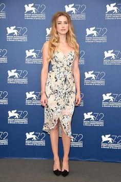 Amber Heard en flores de  Zimmermann (Festival de cine de Venecia).