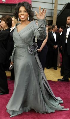 Love the style of Oprah's dress though vibrant colours suit her better.
