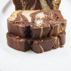 Saturday morning I was having a good old time whipping up this chocolate banana marble bread that is really more like cake than a quick br. Delicious Desserts, Dessert Recipes, Yummy Food, Patty Food, No Carb Bread, My Favorite Food, Favorite Recipes, Little Cakes, Yummy Eats