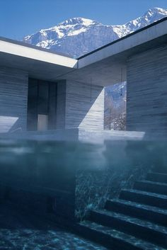 In the Swiss Alps lies the architect Peter Zumthor exclusive spa and hotel, Therme Vals. Se more pictures here.