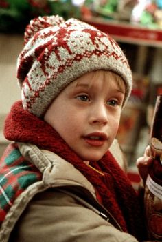 26 Home Alone Quotes You Have to Use This Holiday Season - Christmas ✨ - Home Accessories Cast Of Home Alone, Kevin Home Alone, Home Alone 1990, Home Alone Movie, Home Alone Christmas, Christmas Mood, Christmas Lights, Christmas Christmas, Xmas