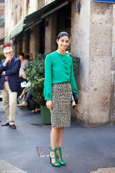 love the leopard skirt & clash of colour - could be blue...