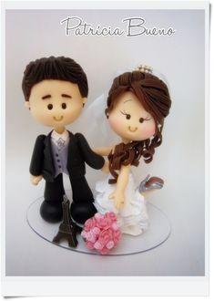 Wedding Cake Topper http://contatopatriciabueno.wix.com/noivinhos