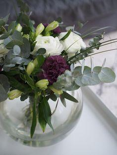 Kuistin kautta: Back to basics Deco Floral, Floral Design, Fresh Flowers, Beautiful Flowers, Cactus Y Suculentas, Flower Decorations, House Plants, Planting Flowers, Floral Arrangements