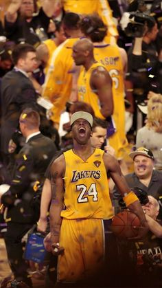 that's how a championship feels like baby Kobe Quotes, Kobe Bryant Quotes, Kobe Bryant 8, Kobe Bryant Family, Lakers Kobe Bryant, Kobe Bryant Michael Jordan, Michael Jordan Basketball, Nba Pictures, Basketball Pictures