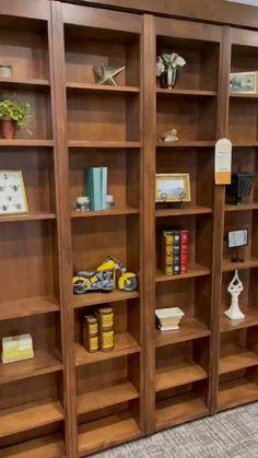 Space Saving Furniture, Furniture Decor, Furniture Design, Smart Home Design, Home Interior Design, Bed Design, House Design, Civil Engineering Design, Bedroom Closet Design