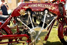 Allen Millyard's 5 liter-5000 cc V-Twin uses 2 Pratt-Whitney aircraft cyl., lower end & cases built in house by Allen.