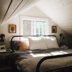 Home Interior Design Napping by the fire Cozy Bedroom, Dream Bedroom, Bedroom Decor, Master Bedroom, Bedroom Ideas, Tomboy Bedroom, Master Suite, Attic Bedrooms, Mirror Bedroom