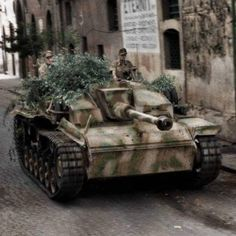 StuG III belonging to Hermann Goering Fallschirm Panzer Division, Italy 1943 - pin by Paolo Marzioli Corvette Cabrio, Chevrolet Corvette, German Soldiers Ww2, German Army, Ww2 History, Military History, Panzer Iii, Ww2 Photos, Tigers