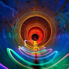 25 Spectacular Examples of Light Art and Graffiti
