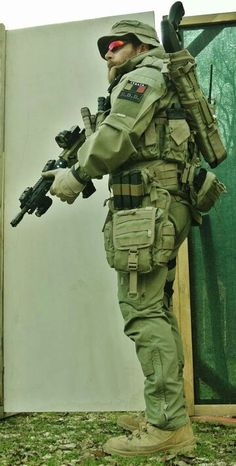Airsoft hub is a social network that connects people with a passion for airsoft. Talk about the latest airsoft guns, tactical gear or simply share with others on this network Military Photos, Military Police, Military Weapons, Military Soldier, Military Personnel, Tactical Equipment, Tactical Gear, Special Ops, Special Forces