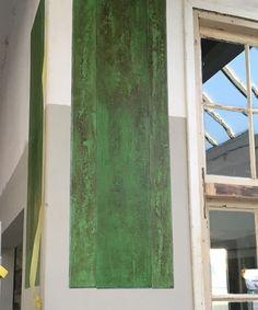 Fake-houten planken met Antibes Green als basiskleur. Bij Fooddock Deventer