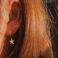 FAKE Tragus Piercing - Fake Nose Ring - Fake Piercing - Fake Nose Piercing - Yellow or Rose Gold Filled - Silver -Tragus Cuff - Ear Cuff - Custom Jewelry Ideas Gold Aesthetic, Orange Aesthetic, Aesthetic Gif, Aesthetic Pictures, Lily Evans, Accesorios Casual, Golden Jewelry, Mode Outfits, Golden Hour