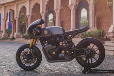 Vigilante: A Royal Enfield cafe racer from Jaipur Triumph Motorcycles, Custom Motorcycles, Custom Bikes, Street Bob, Bobbers, Mopar, Motocross, Lamborghini, Ducati 848 Evo