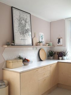 Pink walls in a kitchen with plywood by Patchwork Harmony. Subtle & Sophisticated Pink Paint Colors For Interiors! wall Subtle & Sophisticated Pink Paint Colors For Interiors! Home Decor Kitchen, New Kitchen, Home Kitchens, Pink Kitchen Interior, Pink Kitchens, Kitchen Island, Paint For Kitchen Walls, Kitchen Paint Colors, Kitchen Ideas For Walls