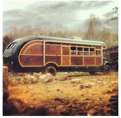 Old Bus camper.OMG, they made the bus a woody, in dying! Bus Camper, Camper Trailers, Bus Motorhome, Vintage Rv, Vintage Campers, Vintage Motorhome, Retro Campers, Vintage Airstream, Vintage School