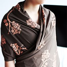 Make your own DIY kimono inspired wrap scarf. It's simple, quick and the perfect addition to your Spring wardrobe.