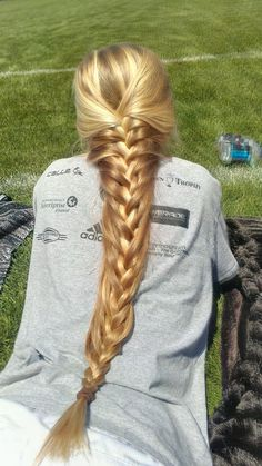 French braid for very long hairs. I love the color...
