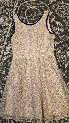 This is a lovely girls pale pink smart dress. Beautiful for a wedding or very special occasion. Came from Debenhams. Size Zip fastening at back. Pink Mini Dresses, Size 14 Dresses, Size 8 Dress, Henry Holland, Smart Dress, Floral Shorts, Fit Flare Dress, Pale Pink