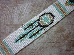 Hand-woven beaded bracelet bracelet Miyuki bohemian I wanted to exhibit you steps to make a bracelet with natural stone and … Bead Loom Designs, Bead Loom Patterns, Beading Patterns, Beading Ideas, Bead Loom Bracelets, Beaded Bracelet Patterns, Indian Beadwork, Native Beadwork, Beading Techniques