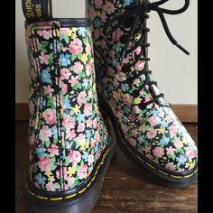 ADORABLE Vintage DR MARTEN AirWair BOOTS!!!  SZ W6 ABSOLUTELY ADORABLE pair of VINTAGE DOC MARTEN 8 Eyelet Leather BOOTS! Sweet pattern, including, Yellow, Pink and Cornflower Blue flowers on a Black background. I have deep cleaned, sanitized, freshened, and conditioned them with Genuine Mink Oil, which also acts a Water & Stain Repellant.  They are a Women's UK Size 4, which is a Women's US Size 6. They will fit a Women's 6-6.5 and Med width foot best.  Super RARE and in EXCELLENT…