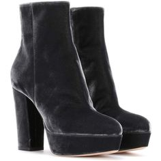 Gianvito Rossi Exclusive to mytheresa.com - Temple Velvet Ankle Boots ($1,030) ❤ liked on Polyvore featuring shoes, boots, ankle booties, grey, bootie boots, grey ankle booties, gianvito rossi booties, grey bootie and gray booties