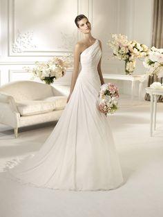 WhiteOne by Pronovias   #bruidsjurk #trouwjurk #weddingdress