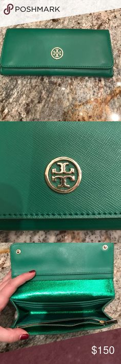 Green Tory Burch wallet Green Tory Burch long wallet. Brand new - comes with original tag. Never worn! Great and stylish :) Tory Burch Bags Wallets