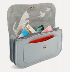 Give Away Day #2 A gorgeous wallet from Keecie!