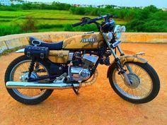Tracker Motorcycle, Bike Art, Motorcycle Bike, Yamaha Cafe Racer, Yamaha Motorcycles, Yamaha Rx 135, Motorcycles In India, Wallpaper Background Design, Best Motorbike