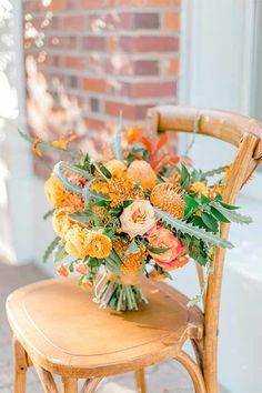 Earth Toned Bridal Bouquet // Elegant Earth Toned Wedding Ideas via - hashtags} - Chic Hochzeit Chic Wedding, Floral Wedding, Wedding Styles, Wedding Shit, Brunch Wedding, Peacock Wedding, Wedding Vows, Wedding Decor, Wedding Cakes