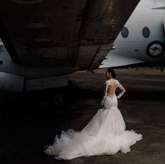 Just been wondering, where'd you go on your honey moon? Looks like our beautiful bride thought about it during her wedding photoshoot. Gorgeous Wedding Dress, Beautiful Bride, Bridal Wedding Dresses, Wedding App, Wedding Ideas, Wedding Photoshoot, Instagram Posts, Honey, Moon