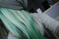 blonde/seafoam green
