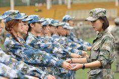 Tân sinh viên Học viện nghệ thuật Nam Kinh, tỉnh Giang Tô, hôm 27/9 bắt đầu bước vào kỳ huấn luyện quân sự