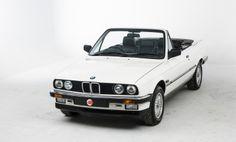 1990 BMW 320i Convertible Bmw E30 Cabrio, Bmw E30 320i, Bmw Convertible, Bmw Cars, Dream Cars, Classic Cars, Vehicles, Favorite Things, Exterior