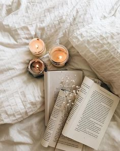 20 Things To Do In 2020 That Will Transform You By 2021 – The Weekly Sparkle photography 20 Things To Do In 2020 That Will Transform You By 2021 Cozy Aesthetic, Beige Aesthetic, Autumn Aesthetic, Aesthetic Photo, Flat Lay Photography, Book Photography, Coffee And Books, Jolie Photo, I Love Books
