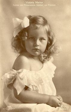 Princesse Victoria-Marina de Prusse (1917-1981) fille du prince Adalbert et de la princesse Adélaïde de Saxe-Meiningen