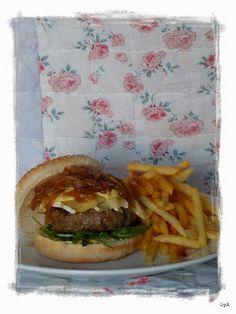 Cocinando... un abril encantado. Hamburguesa francesa. La receta:http://cocinandounabrilencantado.blogspot.com.es/2014/01/hamburguesa-francesa-lo-he-encontrado.html