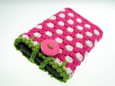 """Handytasche """"Pinke Erdbeere"""" aus Ökotex Standard 100 Baumwollgarn gehäkelt.     Ein echter Hingucker!!!     Geeignet für die großen Smartphones ink..."""