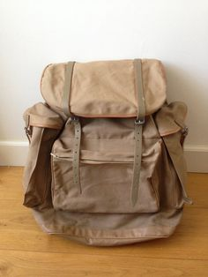 Vtg Mountaineering // Classic Backpack Rucksack // KURZ Original // 1950's // Canvas // Back Support // Leather straps // West Germany