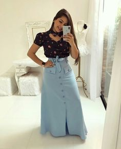Cute Midi Skirt Outfits Perfect For Any Summer Occasion Modest Dresses, Modest Outfits, Modest Fashion, Hijab Fashion, Fashion Dresses, Latest Fashion Design, Trend Fashion, Fashion Looks, Midi Skirt Outfit Casual