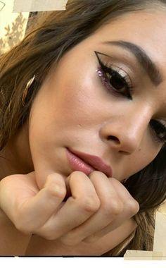Find more information on makeup & nails Cute Makeup, Glam Makeup, Makeup Inspo, Makeup Art, Makeup Inspiration, Beauty Makeup, Hair Makeup, Gorgeous Makeup, Makeup Geek