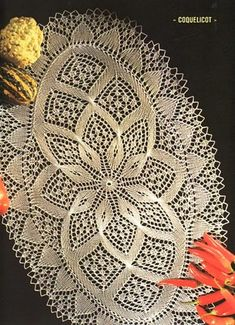 serwety na druty - 05 Chemin de table coquelicot - Françoise B - Picasa Web Albümleri Irish Crochet Patterns, Crochet Motifs, Crochet Chart, Thread Crochet, Lace Knitting, Crochet Stitches, Knitting Patterns, Knit Crochet, Filet Crochet